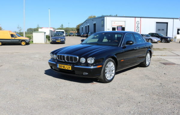 Jaguar XJ 350   3.5 V8  Executive (VERKOCHT)