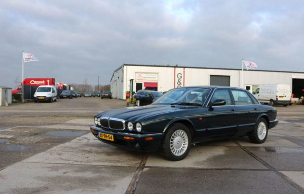 XJ 308 3.2 V8 Executive Emerald Green (VERKOCHT)