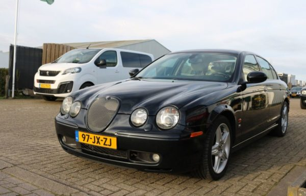 Jaguar S type Supercharged. (VERKOCHT)